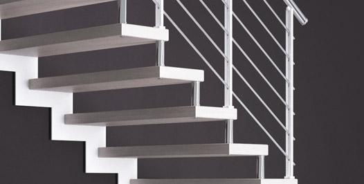 Escalera de hierro de base cuadrada tekla metal for Escaleras rintal